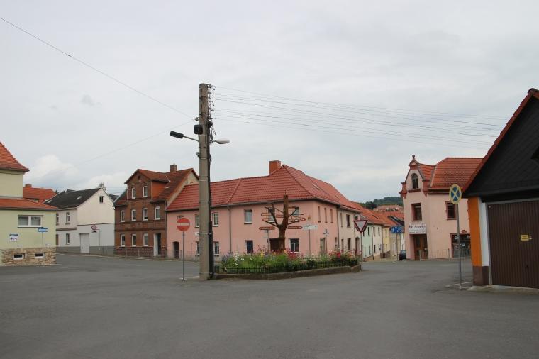 Im Dorf wurde apostrophiert.