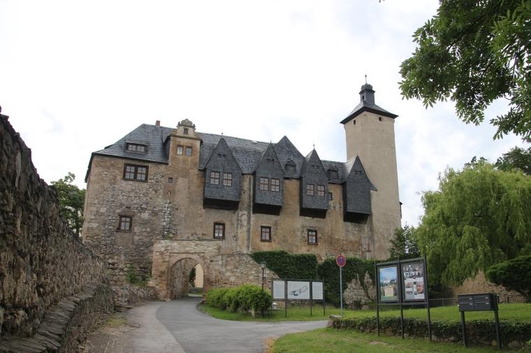 Und der Eingang ins Glück - Die Vorderburg.